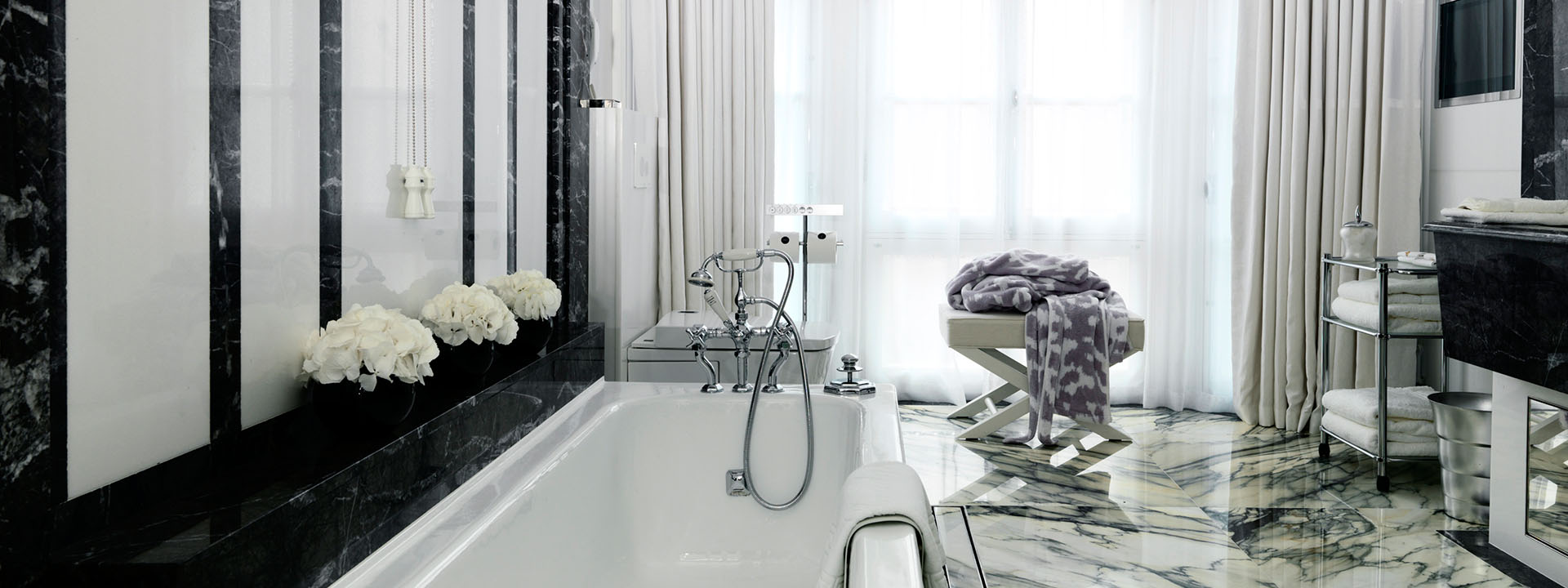 Grand Piano Suite Bathroom