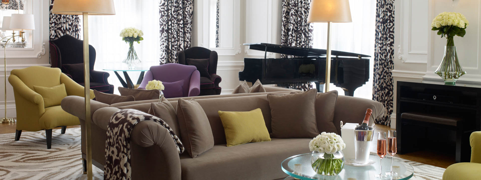 Grand Piano Suite Living Room