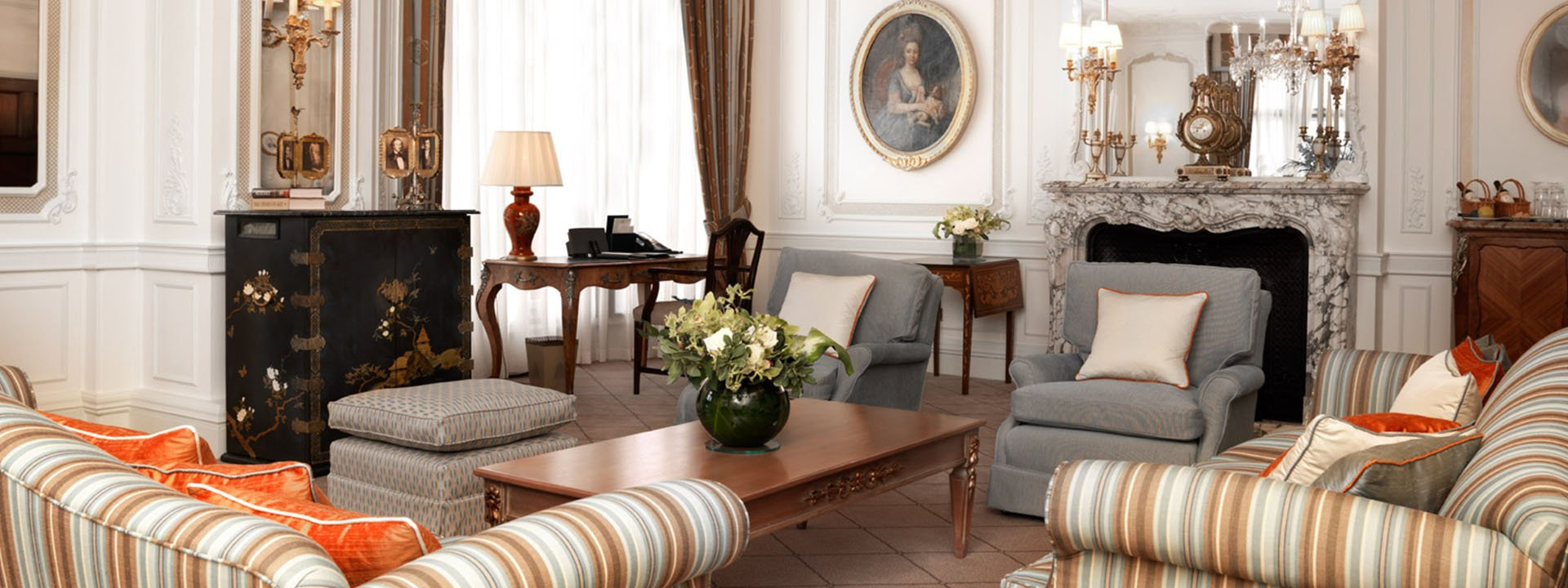 Prince Alexander Suite Sitting Room